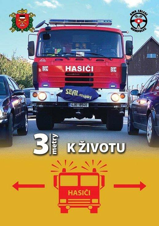 Humpolečtí hasiči rozdají po městě informační letáčky, aby mohli projet městskou zástavbou.