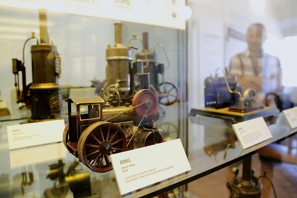 Novou stálou expozici nabízí na zámku v Kamenici nad Lipou Uměleckoprůmyslové museum v Praze.