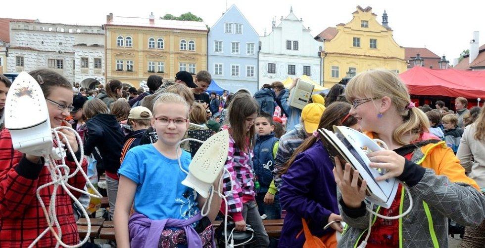 V Pelhřimově vypukl tradiční mezinárodní festival rekordů.