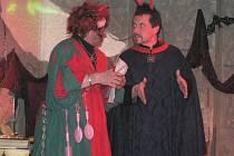 Hru Dalskabáty, hříšná ves aneb zapomenutý čert sehrál před před dvěma lety soubor z Rynárce. Na letošní rok tito ochotníci chystají premiéru hry italského dramatika Carlo Goldoniho Sluha dvou pánů.