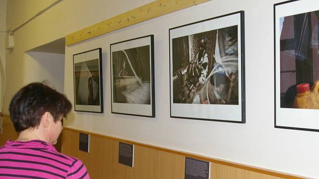 Výstava fotografií z Etiopie má název Kam si Bůh chodí pro sůl.