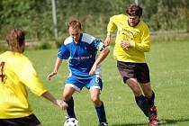 Lukáš Radil (vpravo) vstřelil první dva góly Želiva a nasměřoval svůj tým k výhře.
