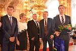 Soutěž nejlepší starosta 2014-2018. Zcela vpravo stojí pacovský starosta Lukáš Vlček.
