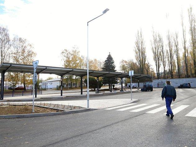 Nové autobusové nádraží v Humpolci, na kterém probíhají poslední úpravy.