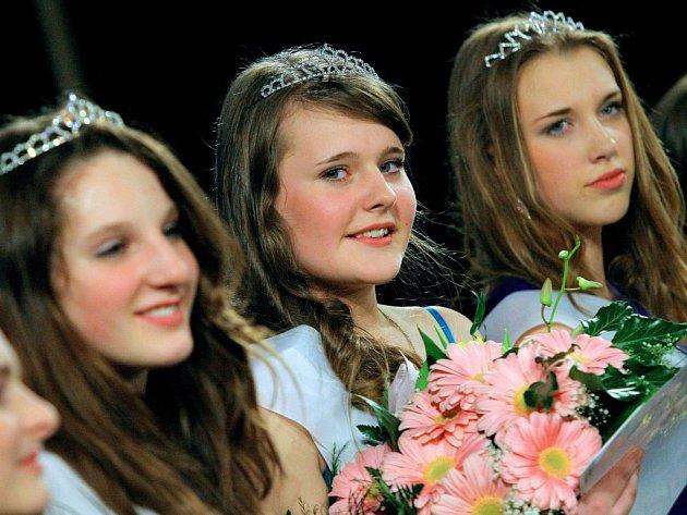 Loni soutěž vyhrála Natalie Creweová z Vilémova, (uprostřed) žákyně ZŠ Hradská Humpolec.