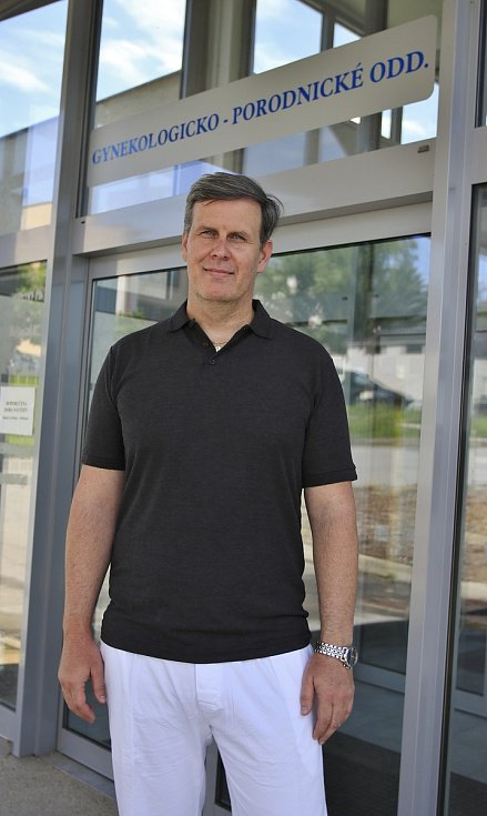 Primář gynekologicko-porodnického oddělení Nemocnice Pelhřimov Radan Doubek.