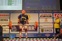 Václav Primus a jeho český rekord v mrtvém tahu v hodnotě 232,5 kg.