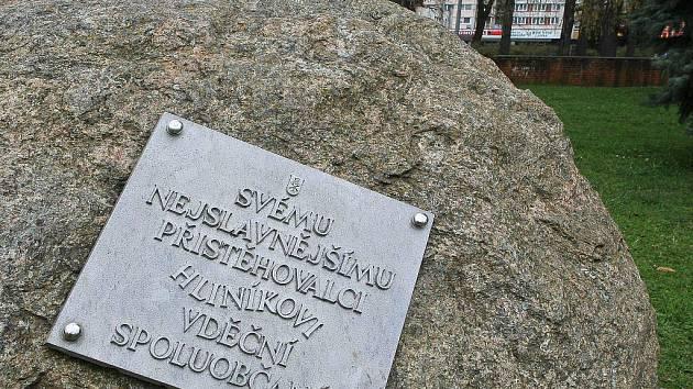 Hliník má v Humpolci kromě svého vlastního muzea dokonce i pomník.