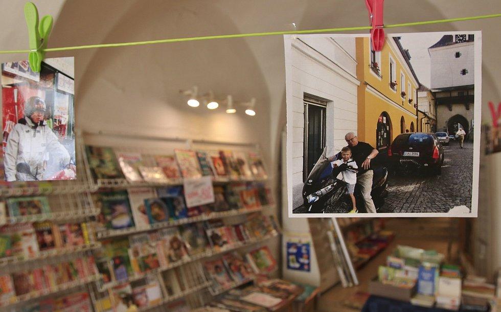Poslední den fungování Vytopilova knihkupectví v Pelhřimově.