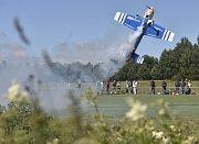 Přibližně pět desítek pilotů radiově řízených modelů letadel se sešlo 30. června v Jiřicích na Pelhřimovsku na 10. ročníku celostátní akce, při níž mohli návštěvníci sledovat modely malých i obřích letadel na zemi i v akci ve vzduchu.