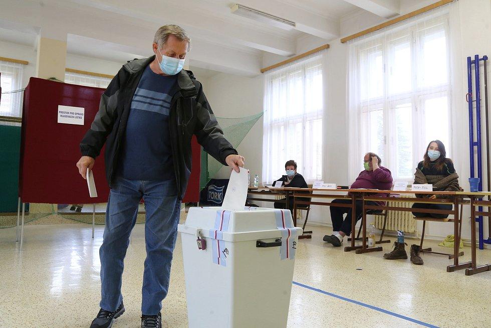 Druhé kolo senátních voleb v Kamenici nad Lipou