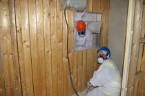 Likvidace azbestu v budově Základní školy v Horní Cerekvi.