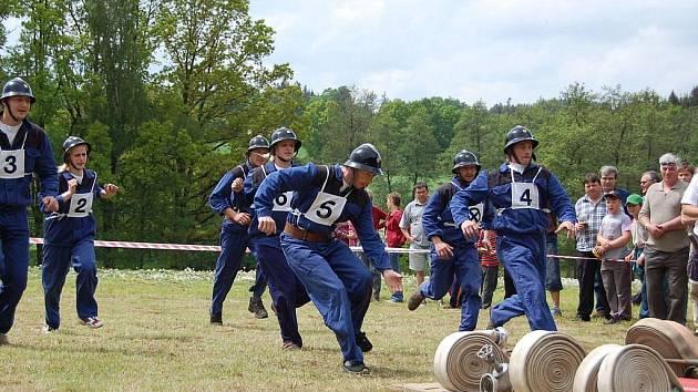 Sbor dobrovolných hasičů v Žirově nemá o veselé historky nouze.