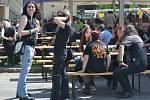 Třináctý ročník Poutník festu byl ve znamení rocku, piva i sluníčka.