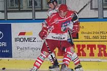 Pelhřimovští hokejisté dovezli z Chrudimi bod. Na nečekaném, ale naprosto zaslouženém výsledku má podíl i obránce Petr Plch.