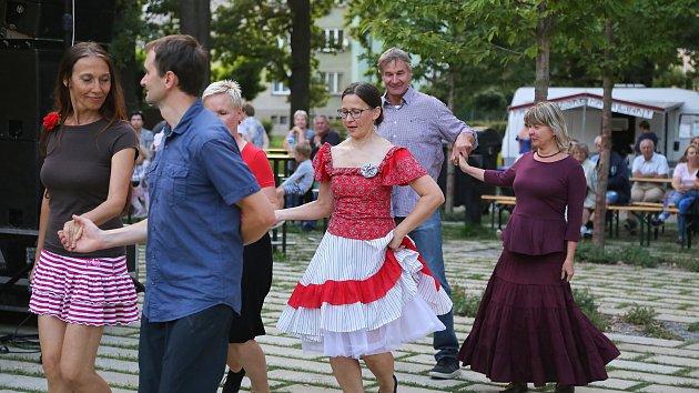 Do humpolecké Stromovky mířili malí i velcí za tancem