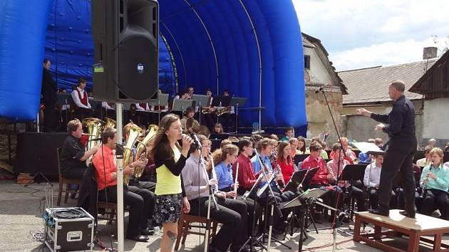Jedním z dějišť festivalu jsou i Kaliště, kde se skladatel narodil. V sobotu tam vystoupí i Dechový orchestr mladých při ZUŠ Gustava Mahlera v Humpolci.