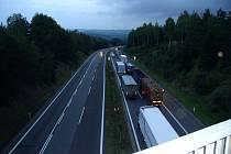 Kolona vozidel u nehody na dálnici D1 na Pelhřimovsku.
