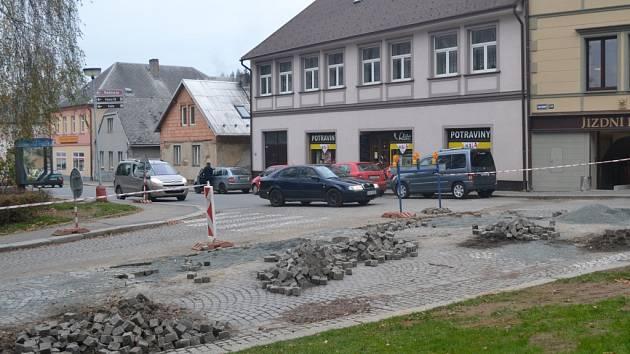 V Humpolci opravují Rašínovu ulici.