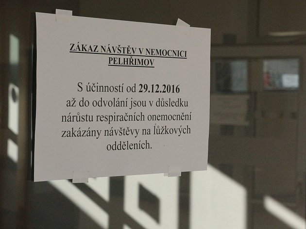 V předešlé sezoně vyhlašovaly nemocnice na Vysočině (jako například Nemocnice Pelhřimov) zákazy návštěv už na sklonku roku 2016.