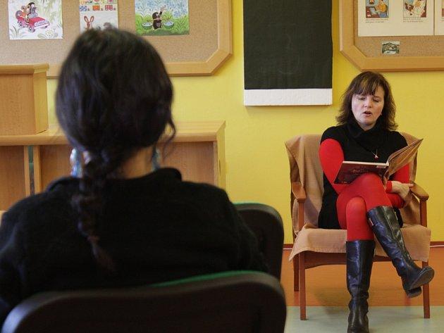 V Městské knihovně v Pelhřimově se v pondělí od čtrnácti hodin uskutečnil Maraton čtení.