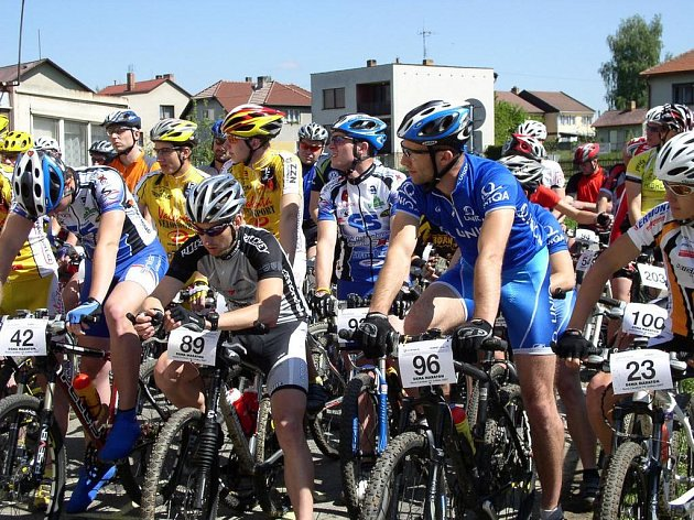 Cyklistické závody v okolí Nové Cerekve