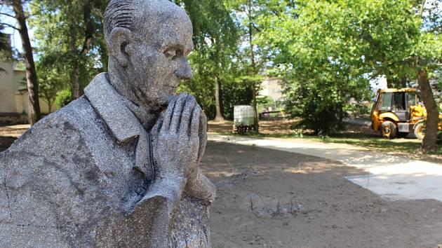 Děkanská zahrada v Pelhřimově právě prochází velkými změnami.