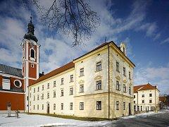 Pacovský zámek