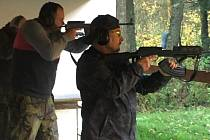 Veřejná střelecká soutěž jednotlivců ve střelbě samonabíjecí nebo opakovací puškou, kterou na neděli 27. října připravil střelecký klub AVZO Košetice, měla mezi sportovními střelci velký ohlas.