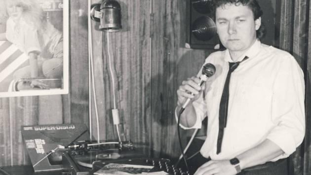 Nestor diskoték na Pelhřimovsku odehrál svoji první  diskotéku 25. prosince 1974 v Hříběcí.