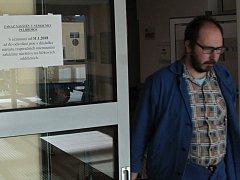 Informace o zákazu návštěv se na vchodových dveřích v areálu nemocnice objevila hned po vyhlášení opatření.