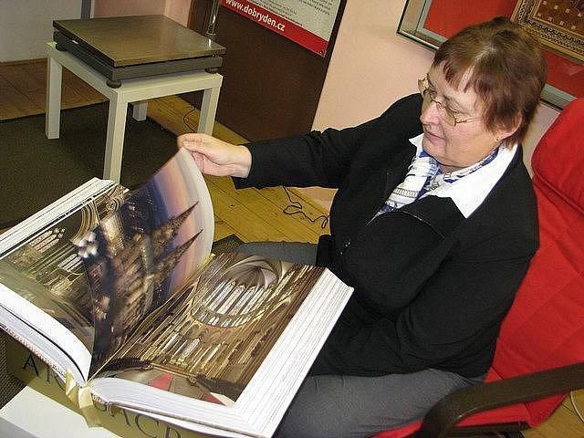 Ars Sacra je nejtěžší volně prodejnou knihou v České republice.