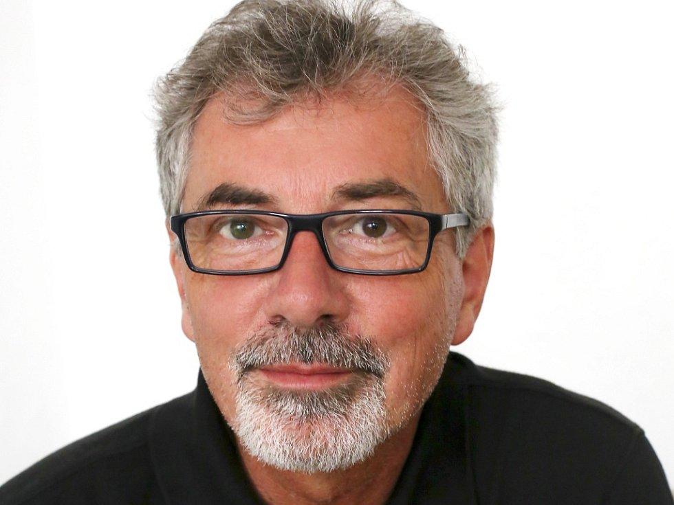 Milanu Štěchovi bude konkurovat Ivo Jahelka.