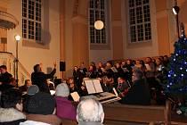 V minulých dnech patřily kostely převážně koncertům. Například v humpoleckém evangelickém kostele si lidé mohli poslechnout Českou mši vánoční od Jakuba Jana Ryby.