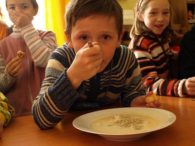 Děti ochutnaly jídla našich prababiček