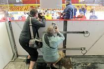 Na pelhřimovském stadionu se sice už smí fandit, ale možná se tam nebude hrát hokej.