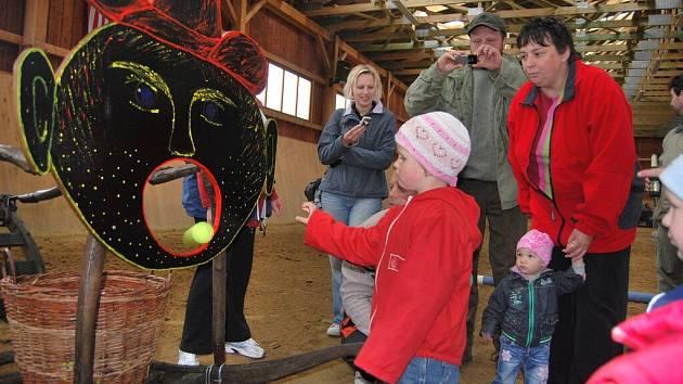 Při různých soutěžích děti předváděly své nadání. Přesná muška většině z nich nechyběla. Svůj den oslavily v sobotu na ranči v Litohošti.