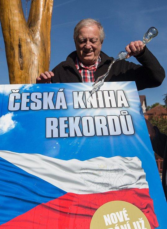 Křest šestého vydání České knihy rekordů.