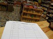 Petici na záchranu Tichého mlýna mohli zájemci podepsat například v pelhřimovském obchodě Na Rozcestí.