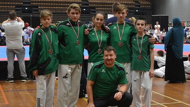 Pět medailí vybojovali pelhřimovští taekwondisté na turnaji v Kodani.