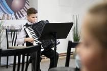 V pondělí 18. února se v Kamenici nad Lipou konala okresní kola dvou soutěží základních uměleckých škol.