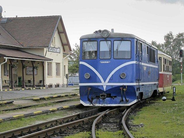 Na nádraží v Kamenici nad Lipou bude stát poštovní vůz.