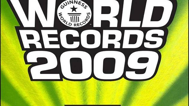Obal knihy Guinnesovy světové rekordy 2009