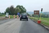 Oprava silnice mezi Pelhřimovem a Kamenicí nad Lipou.