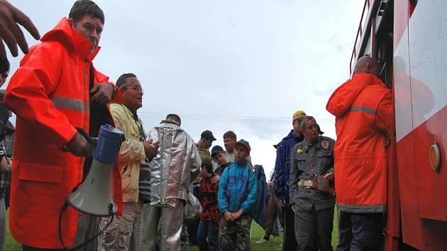Ústav sociální péče v Lidmani navštívili pocisté i hasiči