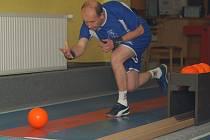 Jan Bureš nastupoval do zápasu za stavu 2:2. Zahrál výborně a získal klíčový bod pro žirovnické barvy.