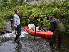Říčce Bělé v Pelhřimově pomáhali dobrovolníci.