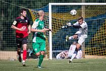 Fotbalisté Táborska (v červeném) letos hrát v Počátkách nebudou