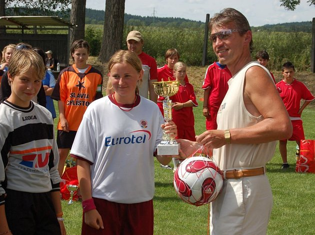 V Horní Cerekvi triumfovaly hráčky Pražké Sparty, které za celé dva dny neprohrály. Pohár jim předal starosta města Jaroslav Andrle.