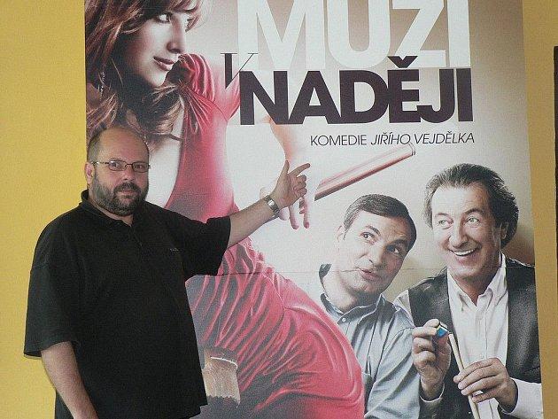 Podle vedoucího pelhřimovského kina Zdeňka Ziemana přiláká diváky do kina česká komedie Muži v naději.